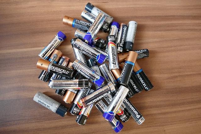 batteries-1331493_640.jpg