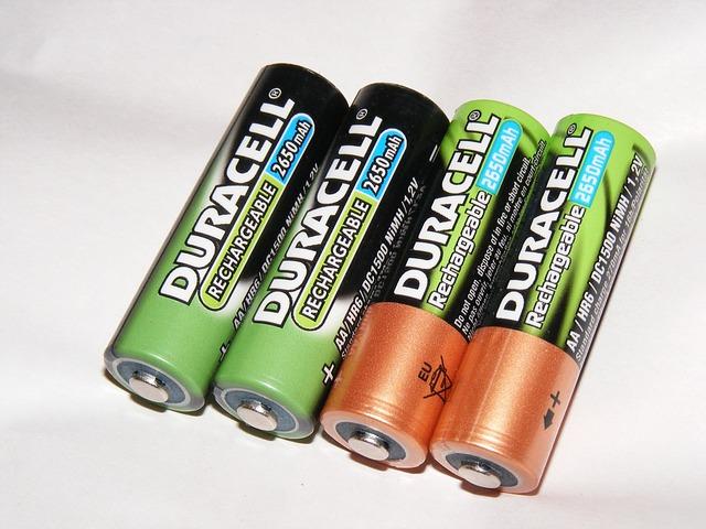 batteries-88339_640.jpg