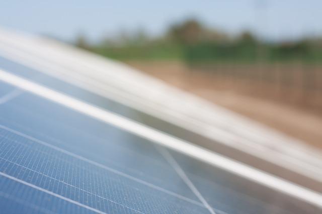 solar-cells-191686_640.jpg