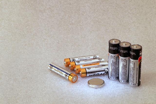 batteries-2049622_640.jpg