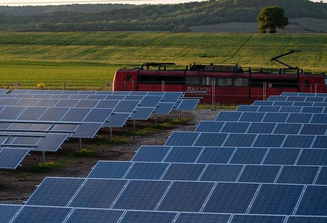 solar-cells-191691_640.jpg